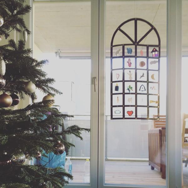 Tannenbaum und Kalender